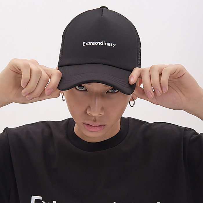 엑스트라오디너리 모자 BASIC LOGO TRUCKER CAP-BLACK/WHITE